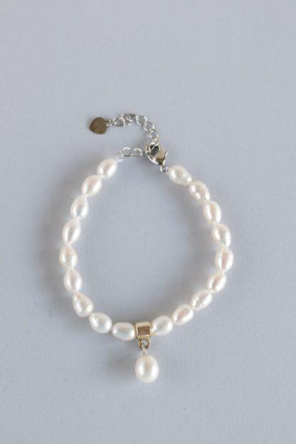 Elegant Faux Pearl Bracelet