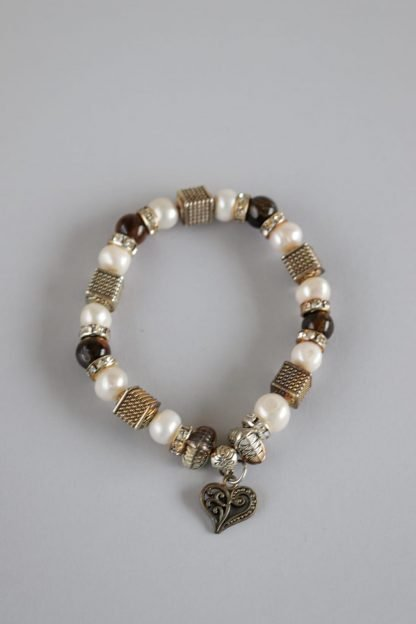 Pearl Bracelet With Beads And A Heart Pendant